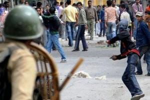 Kashmiri youths rushing to encounter sites committing suicide: J-K DGP