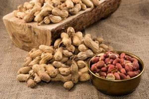 Eat peanuts with your meals to prevent heart attack risk
