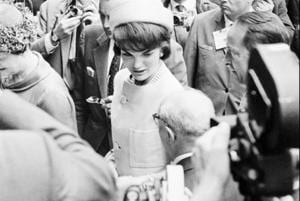 Jackie Kennedy's intimate letters to UK diplomat auctioned, reveal...