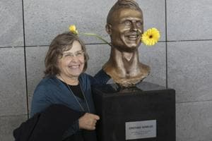 Self-taught sculptor defends grinning Cristiano Ronaldo bust