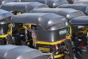 Few auto rickshaws in Mumbai's western suburbs as CNG crisis continues
