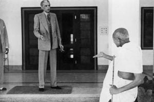 Mohandas Karamchand Gandhi leaves the home of Mohammad Ali Jinnah, founder of Pakistan, en route to the Viceroy