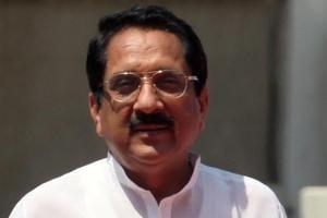 BJP, Sena MLAs in Maharashtra incharge of house discipline to get cabinet minister status
