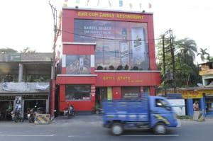 In Pune and Pimpri-Chinchwad, around 600 establishments stopped serving liquor due to the SC ban while 1600 establishments have been affected in the district.