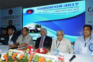 Top cardiologist Dr Ashok Seth (in black coat and tie), at CARDICON 2017, in Patna on Saturday.