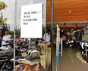 Lost in confusion, BS-III vehicles sold up to March 31 yet to be registered in Delhi