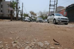 Gurgaon: 31 Huda roads to be repaired before monsoon: PWD minister