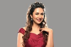 Divyanka says she takes up for character actors who don't receive respect on the sets and many people don't like that.