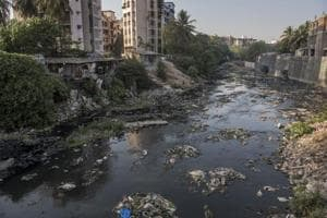 The standing committee put the appointment of a contractor for the desilting of Mithi river on hold after noticing that no major changes had been made to the proposal.