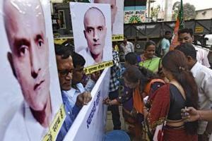 A signature campaign to support Kulbhushan Jadhav in Mumbai, India.
