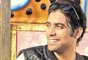 Jubin has sung popular songs such as Tere Liye (Fitoor, 2016) Dhal Jaun Main (Rustom, 2016) among others.