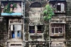 Devendra Fadnavis kicks off ambitious redevelopement of BDDchawls