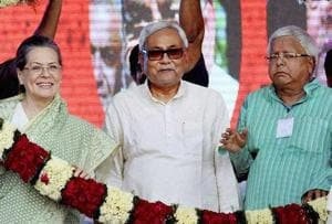 Congress president Sonia Gandhi with Bihar chief minister Nitish Kumar and RJD chief Lalu Prasad