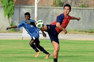 Fee hike: Protesting parents hold up Bhaichung Bhutia match in Gurgaon...