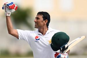 Younis Khan breaks 10,000-run barrier as Pakistan build reply vs West...