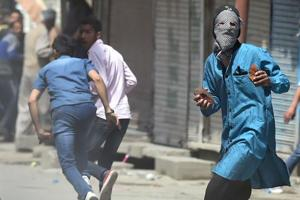 300 WhatsApp groups used to mobilise stone-pelters at Kashmir...