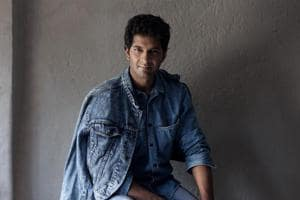 Actor Purab Kohli says that filmmaker Shyam Benegal's rating system is the way forward.