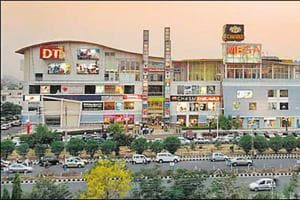 Laptop, power bank stolen from car parked outside Gurgaon mall