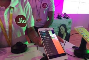 Reliance takes Jio investment above Rs 1.9 lakh crore after record...