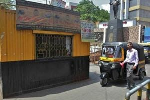 Brace for a bumpy ride, prepaid autos will no longer ply from Thane...