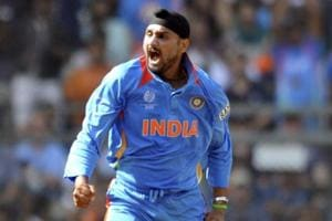 Harbhajan Singh hits out at Jet Airways pilot for calling passenger...