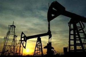 Oil prices fall on lingering oversupply concerns
