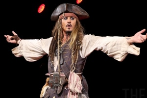 Pirates of the Caribbean fans lose it after Johnny Depp crashes...
