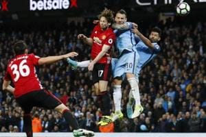 Fellaini sent off as Manchester United F.C., Manchester City F.C. draw...
