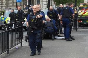 London police shoot a woman, arrest four others in counter-terrorism...