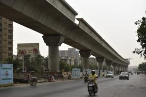Noida chief puts proposed metro projects on hold