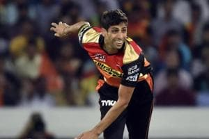IPL 2017: Funniest yet hard-working, Ashish Nehra gets cheeky wishes...