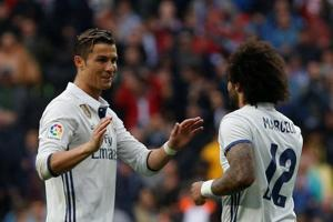 Real Madrid C.F. go back on top in La Liga with 2-1 win over Valencia