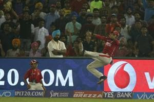 IPL 2017: Kings XI Punjab's Manan Vohra dunks it in vs Sunrisers...