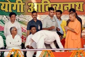 Murder accused MLA Amanmani shares stage with Uttar Pradesh CM...