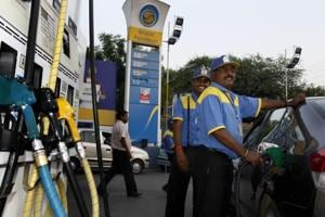 Petrol, diesel prices to be revised daily in 5 cities from today