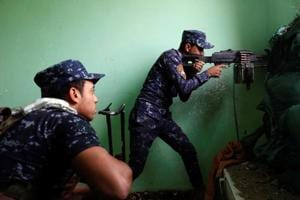 Islamic State is influencing some youth in India to join Jihad even as it loses territory in Syria and Iraq. In this picture, Iraqi Federal Police clash with the IS fighters in western Mosul on Tuesday.