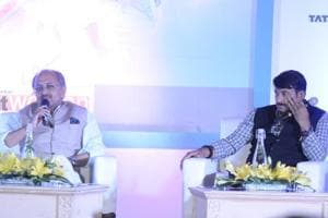 Health minister Siddharth Nath Singh and Delhi BJP chief Manoj Tiwari taking questions on the issue during an interactive session.