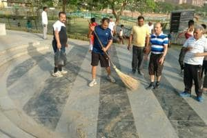 Sanitation strike: Noida's Sector 51 residents hold cleanliness drive