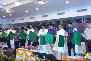 Tejas Express: India's first high-speed train leaves Mumbai, is now on...