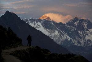 Indian found dead on Everest, Sherpa says he forced guide to climb in...