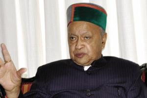 Himachal CM Virbhadra Singh, wife appear before Delhi court in DA case