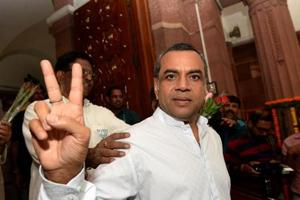 Tie Arundhati Roy to army jeep: Paresh Rawal kicks up a storm on...