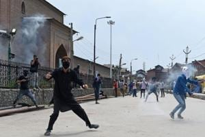 Kashmir dispute, religious strife 'risks' to investment in India:...