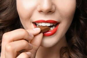 Chocolate can lower  risks of 'heart flutter', says study