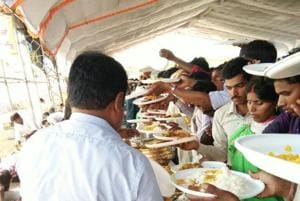 MP teachers made to serve food at mass wedding, endure 'poori-sabzi...