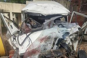 7 die as jeep rams into truck on Maharashtra highway