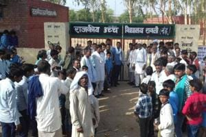Gurgaon: Villagers lock up Mewat school after only out 1 of 40...
