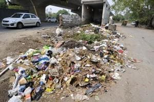 Pollution board warns Noida establishments against flouting waste...