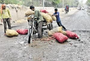 Delhi: 120 potholed roads to be repaired this month for a smoother...