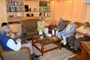 Hurriyat leaders told me Modi inflicting harm on Valley's business:...